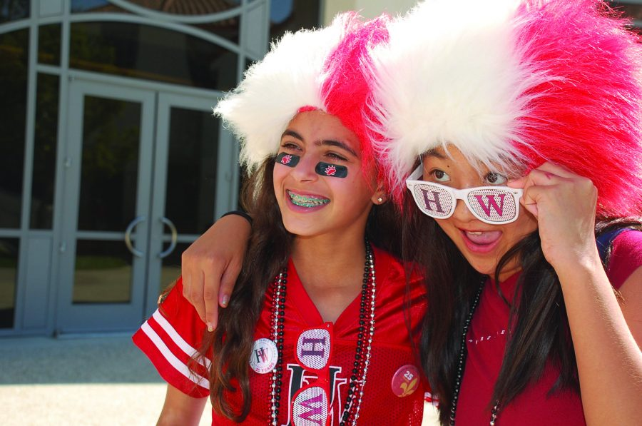 Students+decked+out+in+spirit+atti