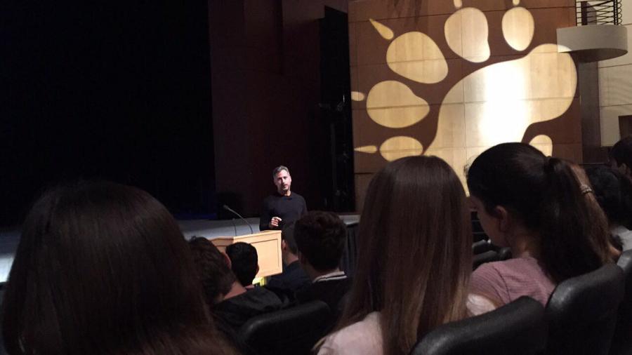 Martinez Celaya speaks to students