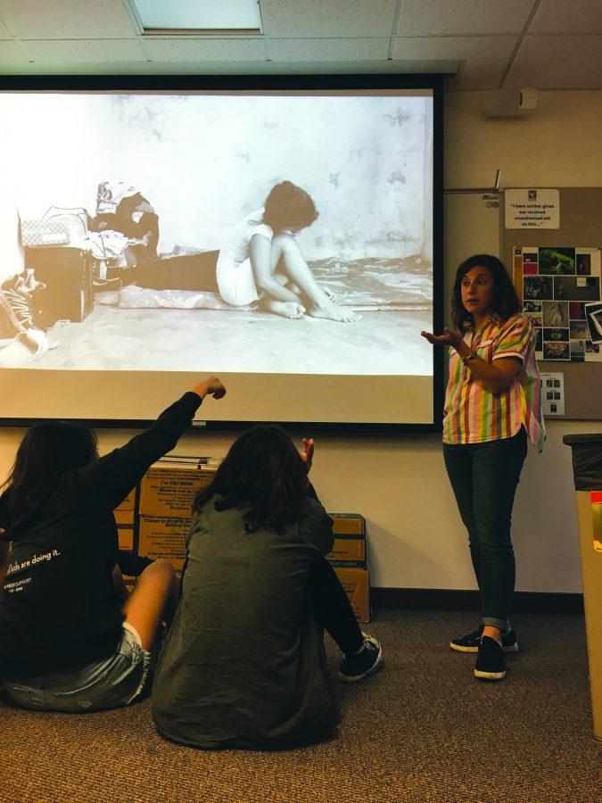 Photojournalist+teaches+workshop